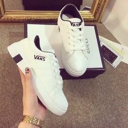 giày thể thao Vans