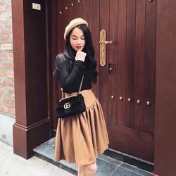 Set chân váy + áo tay dài