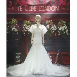 Váy cưới đuôi cá trắng