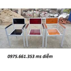 Bộ bàn ghế gỗ dành cho cafe sân vườn