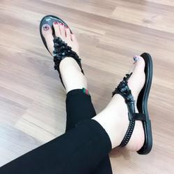Giày sandal đế bệt nữ
