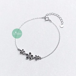 LẮC TAY SMALL FRESH BLACK FLOWER LEMARE SILVER