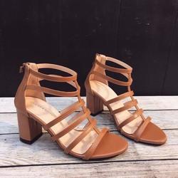 Giày gót vuông sandan chiến binh