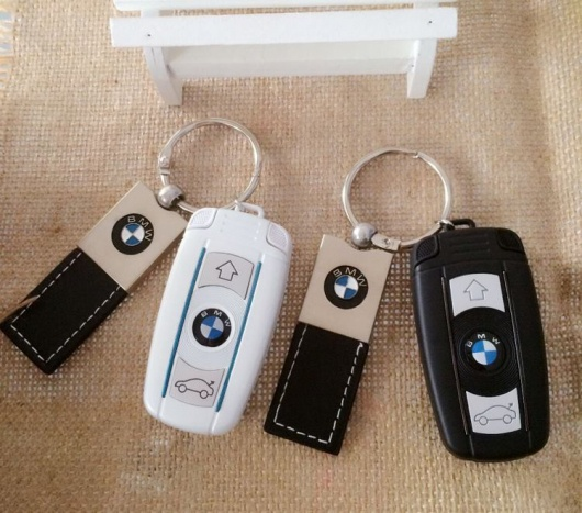 Điện thoại BMW V10 mini nắp gập tinh tế Full Box 17