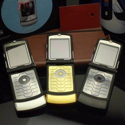Motorola v3i Gold chính hãng