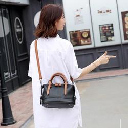 Túi xách nữ với kiểu dáng trẻ trung mới 2017 tại Kinda Shop
