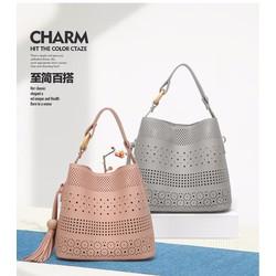 Túi đeo chéo nữ chất liệu da PU họa tiết cắt tỉa laze - Kinda Shop