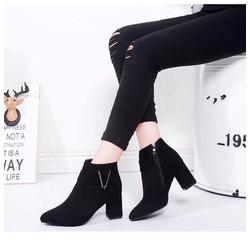 Giày boot thời trang