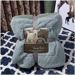 Chăn lông cừu Ultimate Model cao cấp chất mềm mịn và không xù