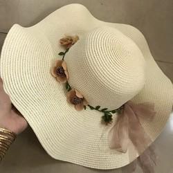 Nón cói nữ tai bèo phối hoa xinh xắn 111