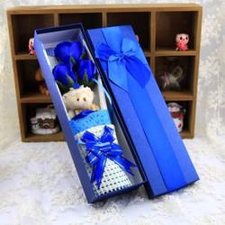 Hộp quà dài gấu và hoa hồng sáp 3 bông Màu Xanh Dương bởi Winwinshop88