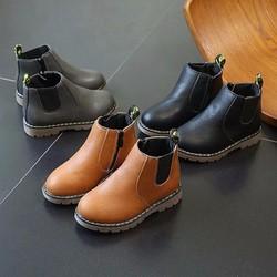 Boot cho bé trai và bé gái