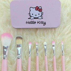Bộ cọ trang điểm Hello Kitty 7 cây