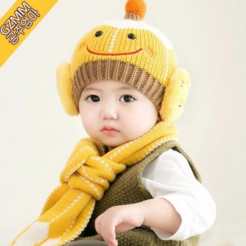 Set khăn quàng ấm cổ và mũ len mặt cười dễ thương giữ ấm cho bé