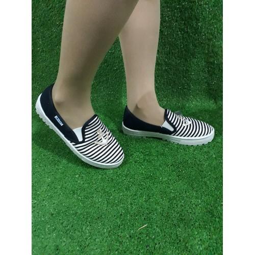 Giày slipon nữ siêu bền