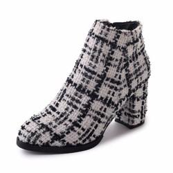 giày ankle boot kẻ sọc Mã: GC0249 - TRẮNG