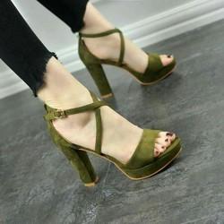sandal cao gót màu xanh rêu