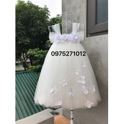 Đầm trắng hoa hồng