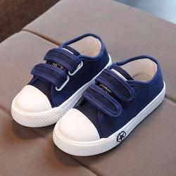 Giày thể thao xanh size lớn cho bé đi chơi Tết