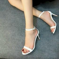 Giày cao gót Ngọc Trinh quai mảnh