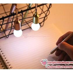 bút Bóng đèn- nút chống bụi cho điện thoại
