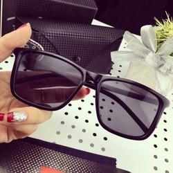 Mắt kính nam nữ đi nắng - du lịch thời trang 3247