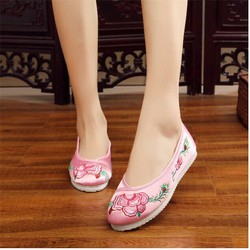 Giày Thêu Hoa Đế Bằng Rất Đẹp
