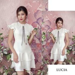 Váy thiết kế tay cánh tiên