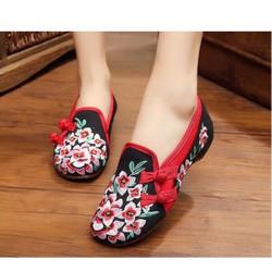 Giày Vai Thêu Hoa Gài Hai Nút Rất Đẹp