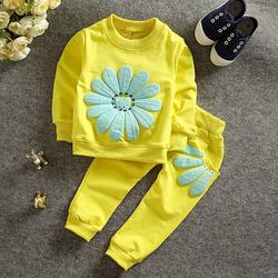 Bộ quần áo hoa cúc mùa thu cho bé