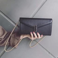 Túi đeo chéo kiểu dáng phong bì