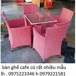 Bàn ghế cafe có rất nhiều màu