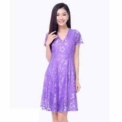 Đầm xòe ren ánh kim cổ V