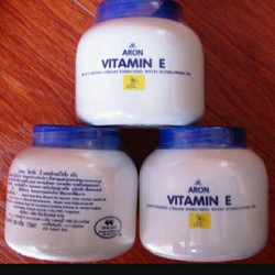 kem chống nẻ vitamin e Thái Lan