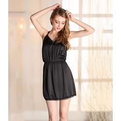Váy ngủ màu đen