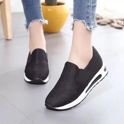 Giày slip on nữ mới nhất