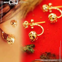 Bông tai inox nữ màu vàng trái châu thiết kế theo kiểu chữ C
