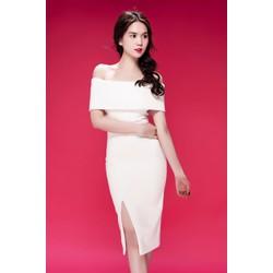 Đầm Ngọc Trinh ôm body kiểu trễ vai xẻ tà