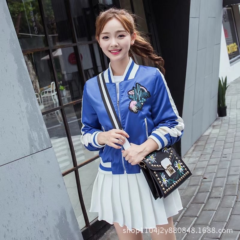 ao-khoac-the-thao-hoa-tiet-xuong-rong-tb0471-2