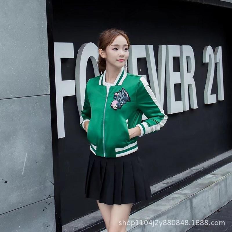 ao-khoac-the-thao-hoa-tiet-xuong-rong-tb0471-4