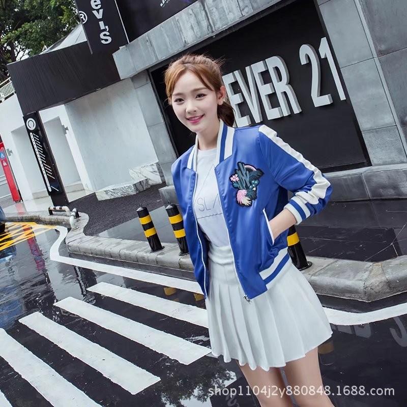 ao-khoac-the-thao-hoa-tiet-xuong-rong-tb0471-1