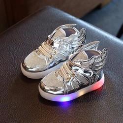 giày phát sáng trẻ em
