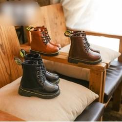 Giày boot cột dây bé trai BBT07