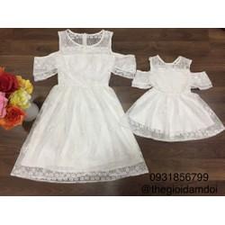 Đầm đôi mẹ bé trễ vai ren hoa trắng xinh
