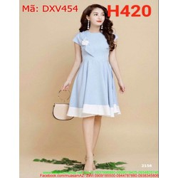 Đầm xòe công chúa xanh viền trăng đính bông DXV454