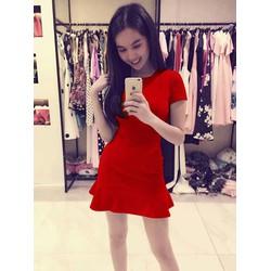 Đầm xòe đỏ Ngọc Trinh xinh xắn