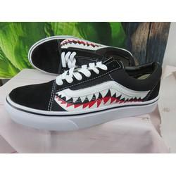 giày vans cá mập đen