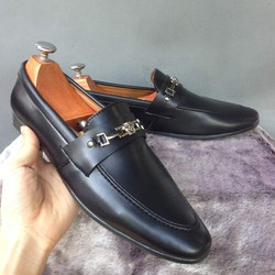 Giày mọi nam thời trang được yêu thích