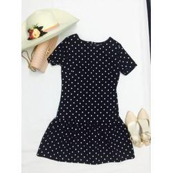 Đầm suôn tay chuông chấm bi