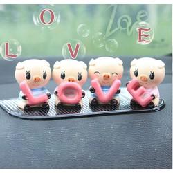 Bộ 4 con heo chữ Love ngộ nghĩnh